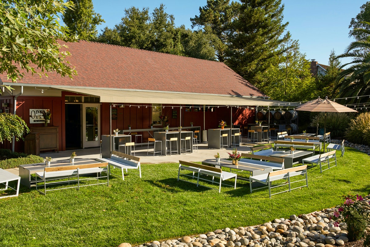 Visit The Tasting Room Saucelito Canyon